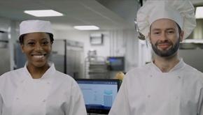 Obtenez une démonstration de la technologie innovante de Winnow pour réduire de moitié les déchets alimentaires et augmenter les bénéfices de votre cuisine.